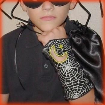 Boys Halloween Masks & Cuffs